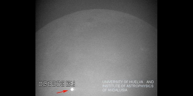 Impact meteorit pe Lună