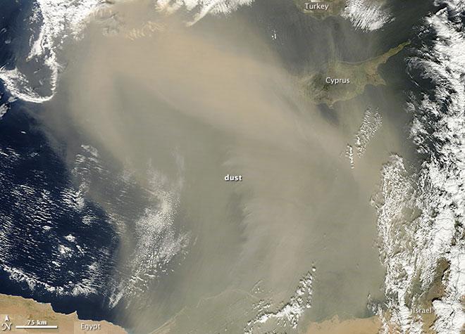 Furtună de nisip peste Marea Mediterană