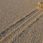 Pietrele călătoare din Valea Morții nu mai sunt un mister (video)