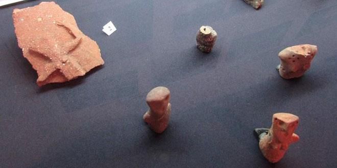 Fragmentul de ceramică și alte artefacte descoperite la Vărbița  / foto Tsvetelina Georgieva/trud.bg