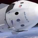 SpaceX și turiștii spațiali în jurul Lunii